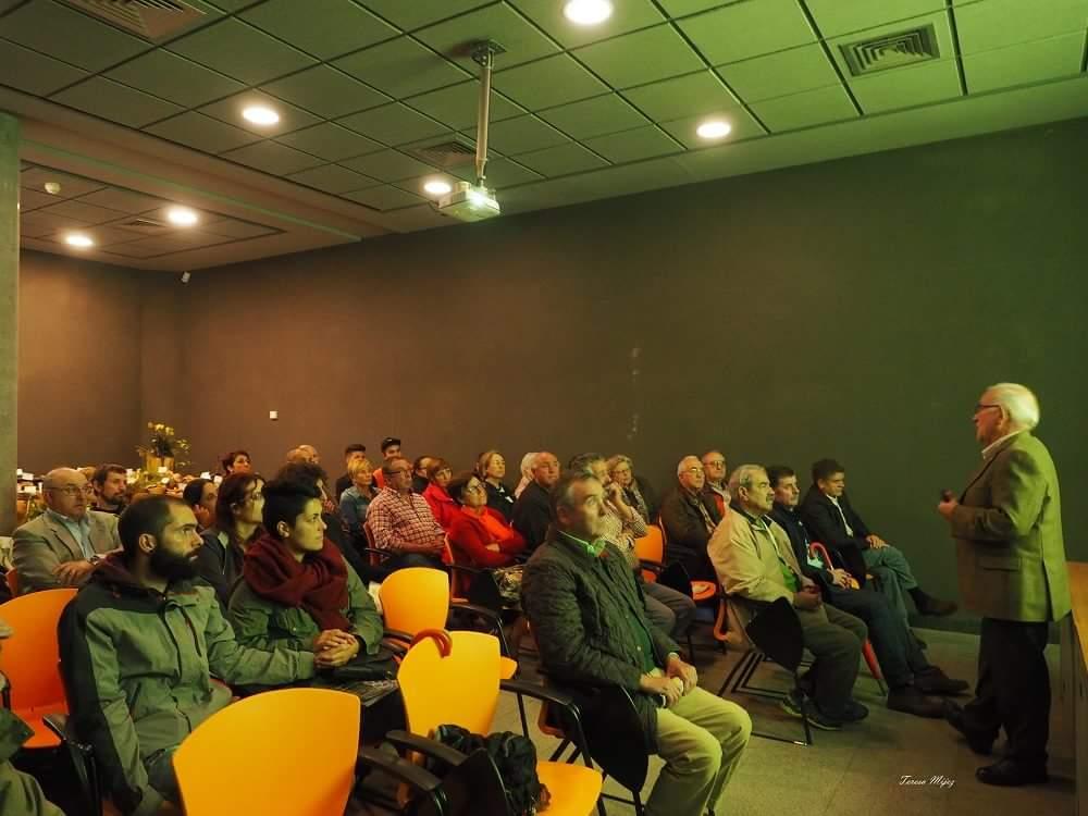 Público asistente a la Conferencia de A.A. Alonso Sandoval.